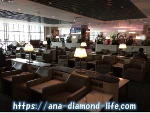 SATS Premier Club Loungeソファ席